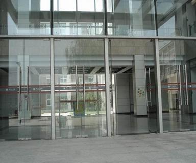 不锈钢玻璃门是怎么做如何挑选?不锈钢厂家批发
