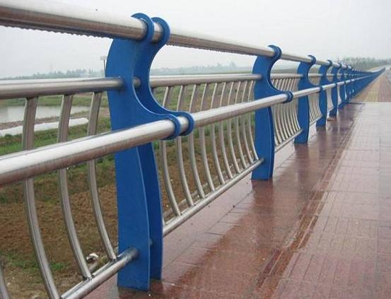楼梯扶手多少钱一米?不锈钢护栏多少钱一米